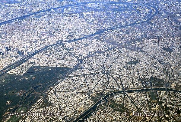 Paříž (AIR)